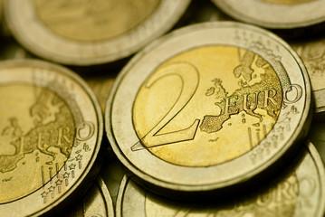 monnaie série - image d'une pièce de 2 euro en gros plan