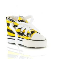 fashion basketball shoe