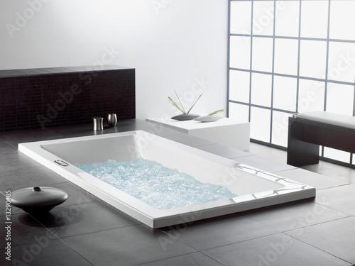 Design badezimmer luxus asia zen stockfotos und for Badezimmer design luxus