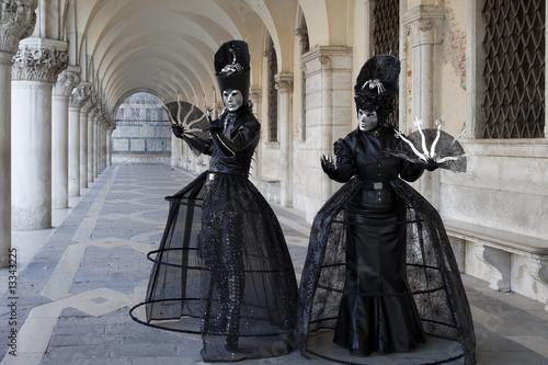 karneval in venedig stockfotos und lizenzfreie bilder auf bild 13343225. Black Bedroom Furniture Sets. Home Design Ideas