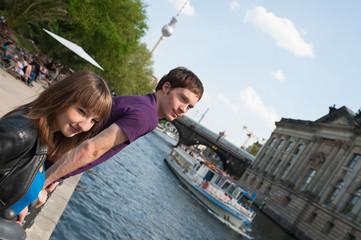 junges Pärchen in Berlin, Frühling