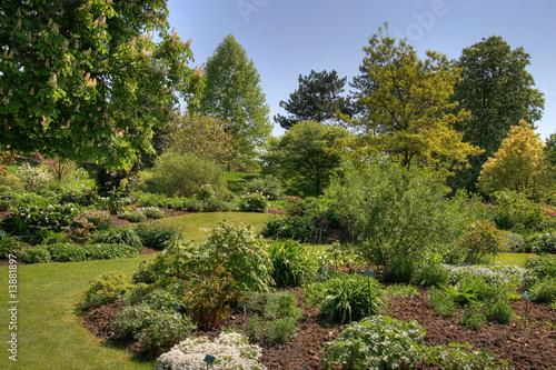 Jardin l 39 anglaise photo libre de droits sur la banque d 39 images image 13881897 for Jardin 0 l4anglaise