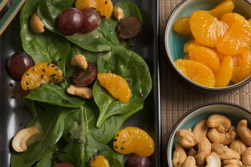 Spinach Salad with Fruit and Nuts