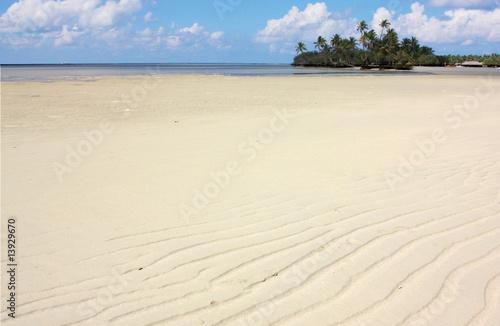 le d serte et dessin du sable mar e basse photo libre de droits sur la banque d 39 images. Black Bedroom Furniture Sets. Home Design Ideas