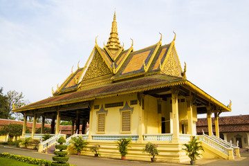 Fototapete - Cambodian Royal Palace Building
