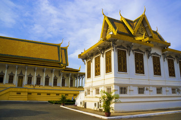 Fototapete - Cambodian Royal Palace Buildings