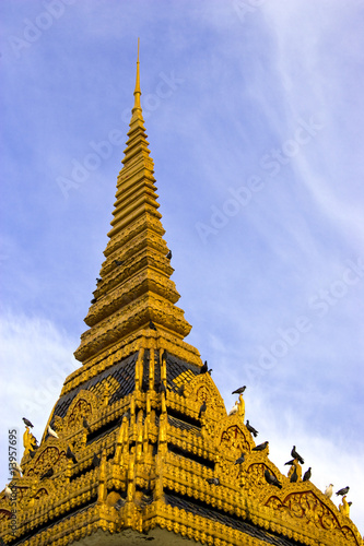 Fototapete Spires of Cambodian Royal Palace Building