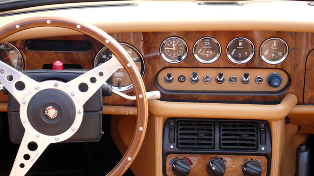 Cockpit eines Austin Healey MK III