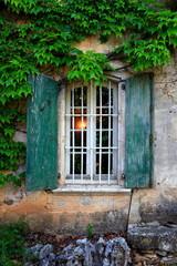 Fensterladen, altes Landhaus, Languedoc, Frankreich