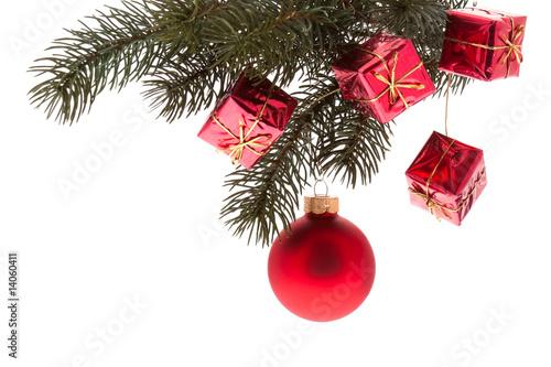 rote weihnachtskugel mit tannenzweig stockfotos und lizenzfreie bilder auf bild. Black Bedroom Furniture Sets. Home Design Ideas