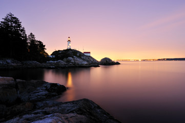 Foto op Canvas Vuurtoren Point Atkinson Lighthouse in West Vancouver, Long Exposure