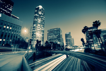 Fotobehang - Freeway traffic in downtown Los Angeles