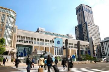 朝の駅(日本の北海道札幌市)