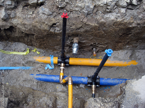 Wasserleitung Und Gasleitung Wird Verlegt Stockfotos Und