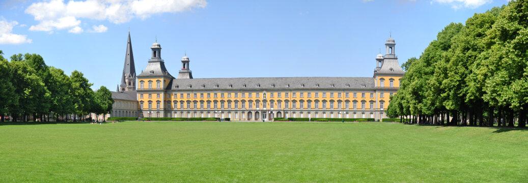 Bonn mit Hofgarten, Universität und Münster