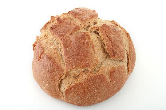 pain, boule sur fond blanc