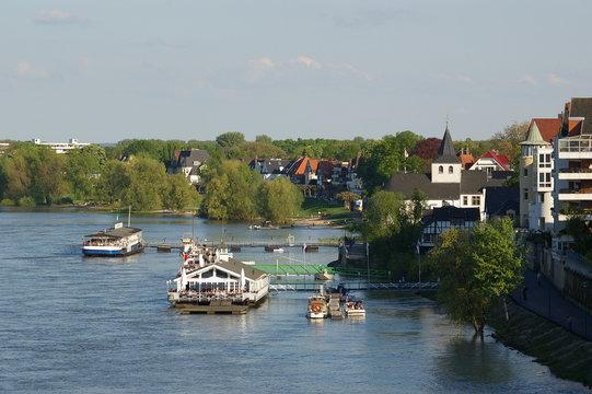 Rheinufer Kölner Süden