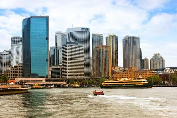 Sydney Hafen mit Skyline