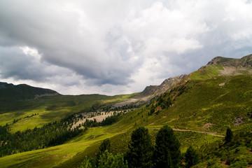 Poster de jardin Colline Wolkenbildung in den südtiroler Alpen