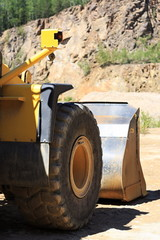 Front loaders in quarry