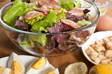 caesar salad with bacon and eggs