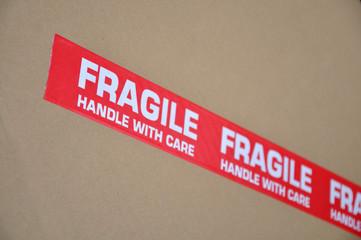 Carton étiqueté fragile