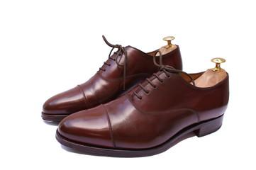 Chaussures richelieus marron haut de gamme, avec embauchoir
