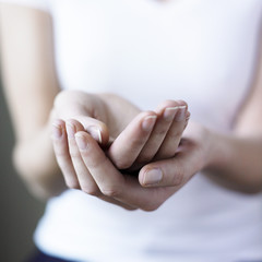 mains générosité aumône