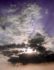 Sonne durch Wolken