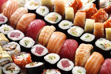 many sushi