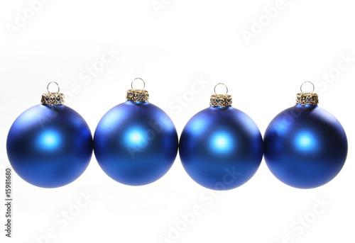 4 h ngende blaue christbaumkugeln stockfotos und lizenzfreie bilder auf bild - Blaue christbaumkugeln ...