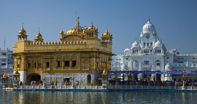 rund um den goldenen Tempel in Amritsar