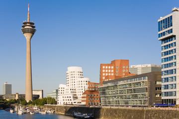 Düsseldorf und Abendsonne