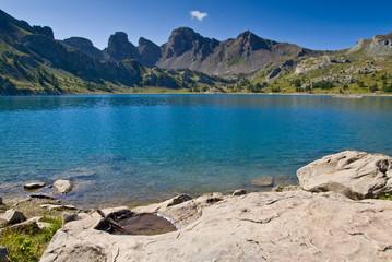 Fototapete - Le Lac d'Allos dans le Parc Naturel du Mercantour