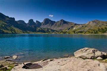 Wall Mural - Le Lac d'Allos dans le Parc Naturel du Mercantour
