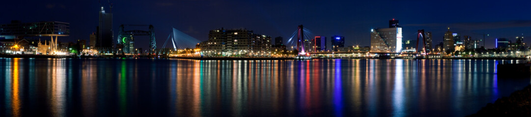 Deurstickers Rotterdam Night panorama of Rotterdam and Mass River