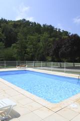 piscine et forêt