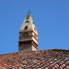 Mitre de cheminée sarrasine à étage en Bresse
