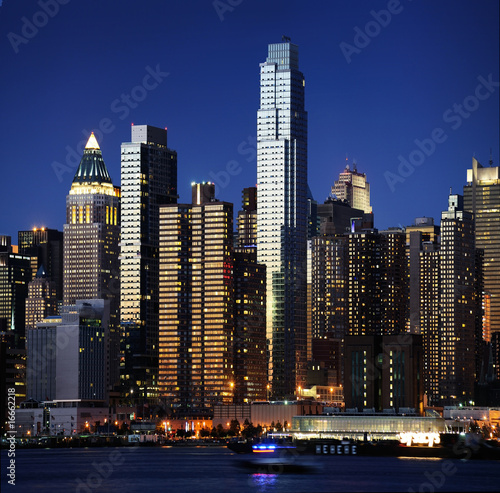 new york skyline stockfotos und lizenzfreie bilder auf. Black Bedroom Furniture Sets. Home Design Ideas