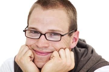 lächelnder jungen Mann mit Brille