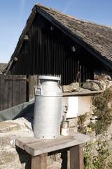 milk urn container