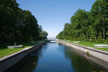 park before royal Petrodvorets
