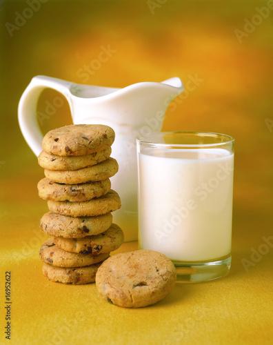 Vaso jarra y leche fotos de archivo e im genes libres for Jarra leche