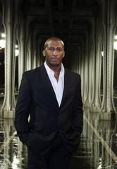 Business Man Black piliers 2