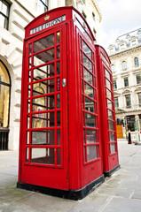 Papiers peints Rouge, noir, blanc Telephone boxes in London