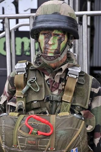 Quot Parachutiste Militaire Quot Photo Libre De Droits Sur La