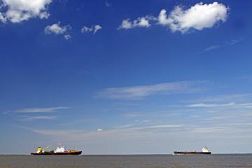 An der Nordseeküste, Schifffahrt