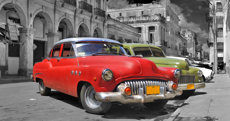 Photo on textile frame Old cars Colorful Havana cars panorama