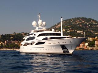 Motor Yacht Dynasty