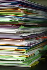 dossier administraif mairie avocat contrat papier pile